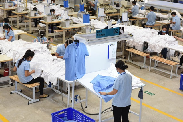 wholesale clothing suppliers garment factory in vietnam